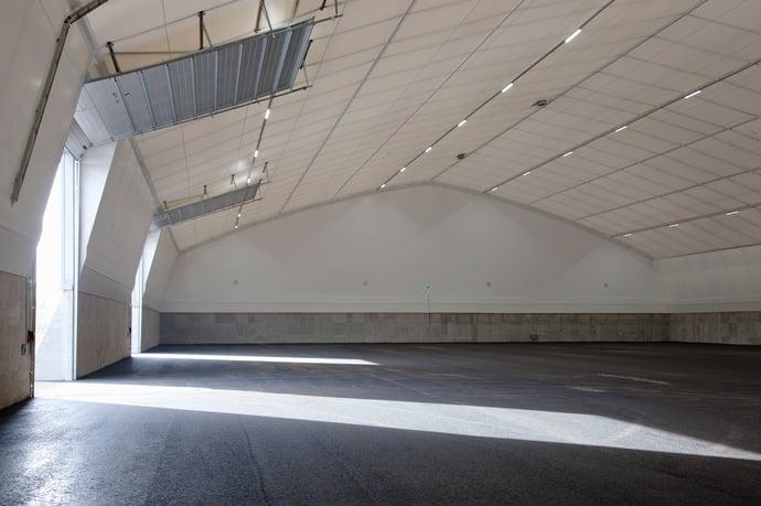 Best-Hall_ledlightning_innerliner_overheaddoor